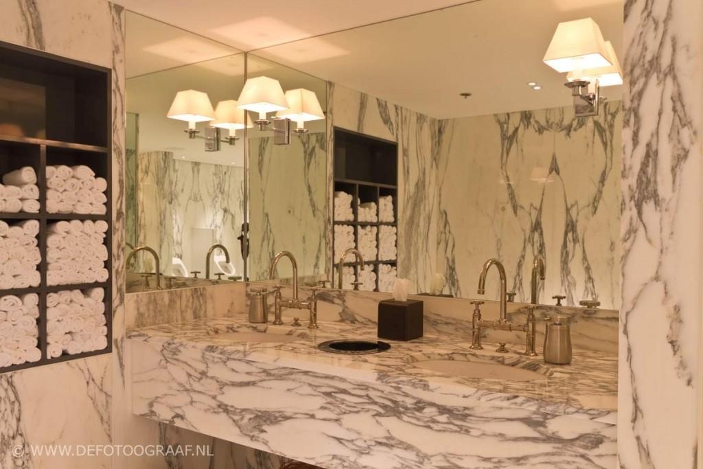 Complete natuursteen badkamers - Watafels, badkuipen, aanrechtbladen